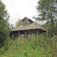 деревня Оленино старый дом