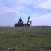 Новая церковь на окраине села