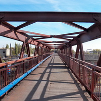 По мосту на 1-ю площадку