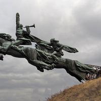Не далеко от Подгорцев? Памятник Первой конной армии