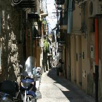 Улица в Чефалу