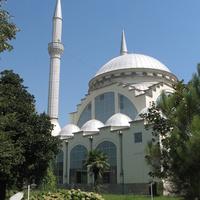 Шкодер.Мечеть Шейха Замила Абдуллы Аль-Замиля.