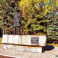 Памятник рудознатцу Капустину
