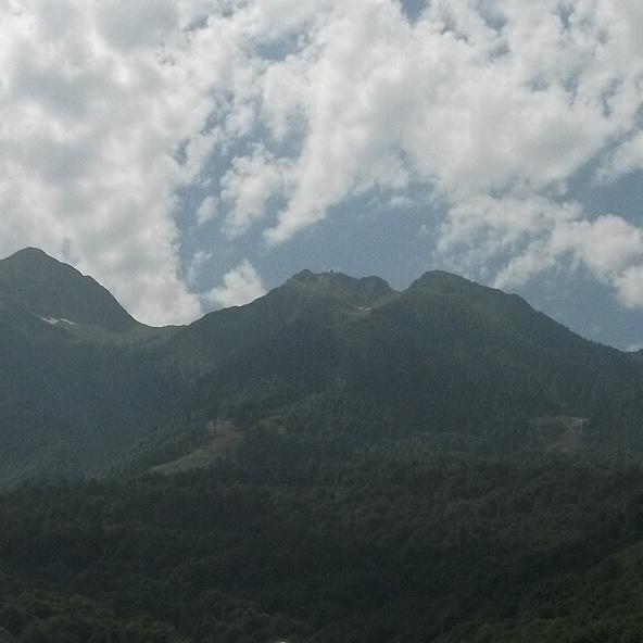 Эстосадок - вид на хребет Аибга