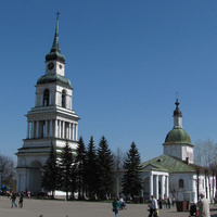 Церковь на площади