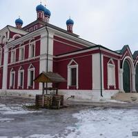 святой колодец у храма