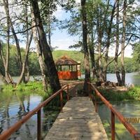 Беседка на Шелеховском озере.