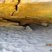 Пещеры, засыпанные песком