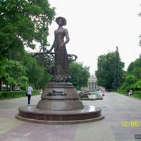 Тернополь, памятник Крушельницкой