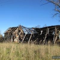 развалины сельского клуба