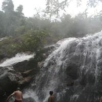 Хатйай. Водопад Тон Нга Чанг.