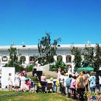 Киев, у памятника гетьману Сагайдачному