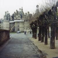 14 км на восток от Блуа во французском департаменте Луар и Шер, Замок Шамбор.