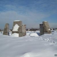 Памятник В.О.В.