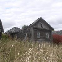 ...упавший  дом брата  бабушки Фёдора Михайлова (1907-1943)