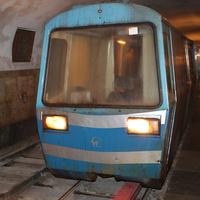 Поезд в пещерах
