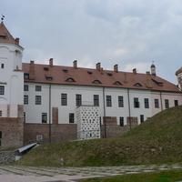 Вид на замок с парка