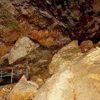 В пещерах