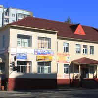 Торговый комплекс на проспекте Ломоносова