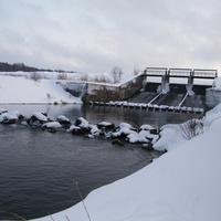 Зимой на плотине