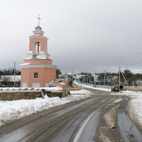 Улица в центре деревни