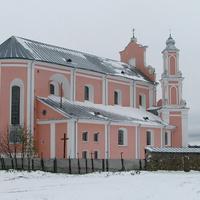 Вид костела с обратной стороны