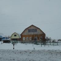 Дома у дороги