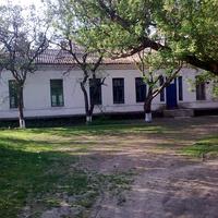приміщення колишньої школи в Ясиноватці