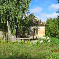 Байрак, опустевший дом