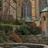 Садик у Кафедрального собора Падерборна