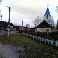 Центр поселка, храм