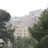 Вид квартала Барселоны из парка Гуэль