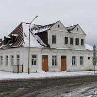Здание в центре деревни