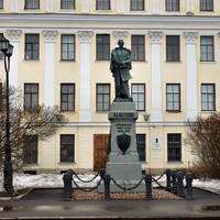 Памятник Пахтусову,исследователю Новой земли.