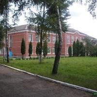 Здание средней школы