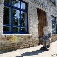 Памятник юному Ульянову