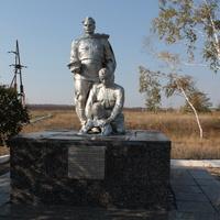 Братская могила времен гражданской войны
