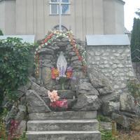 Капличка перед костелом Ясногірської Матері Костьола