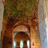 Внутри Богоявленской церкви