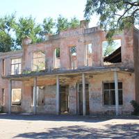 Остатки от сельского дома культуры