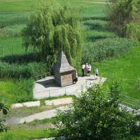 Криниця з цілющою водою на території монастиря