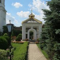 На подвір'ї монастиря. Літо 2012р.