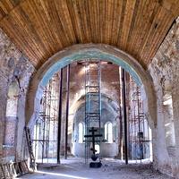 Старый храм Флора и Лавра (восстанавливается)