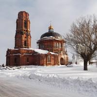 Восстанавливается церковь.