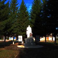 Памятник павшим в ВОВ, п. Мичуринский
