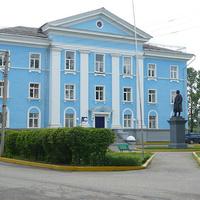 здание администрации Картонной фабрики в г. Кувшиново