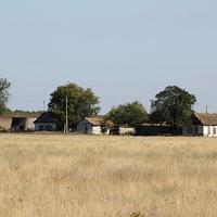 хутор тянется вдоль балки
