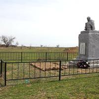 братская могила, погибших в дни Сталинградской битвы