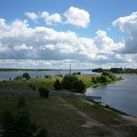 Вид на устье Которосли (справа – Которосль, слева – Волга)