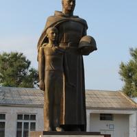 мемориал- братская могила воинов ВОВ-памятник павшим воинам